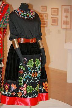 delina+beadwork+Dress.JPG (640×960)