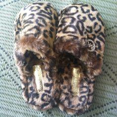 Comfort + Style = A girl's best friend :) Leopard Prints, Animal Prints, Cheetah Print, Cheap Mk Bags, Cute Sleepwear, Bedroom Slippers, Fuzzy Slippers, Sassy Girl, Leopard Animal