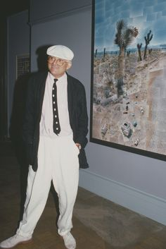 David Hockney, Who's Now Has Always Been a Style Icon Elsa Peretti, Carolina Herrera, Karl Lagerfeld, David Hockney Paintings, Dior, Tony Evans, Valentino, Tate Britain, Lesage