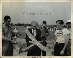 1939 Press Photo Model Plane Builders Compete for Wakefield Trophy