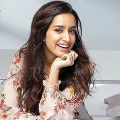 Is it really Shraddha Kapoor? She looks different! Don't you think ! ♥️♥️