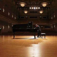 Master Piano Artisan Tatsuya Murakami prepares the Shigeru Kawai SK-EX Concert Grand for competitors at the 9th Hamamatsu International Piano Competition.  #shigerukawai #pianos #pianistsofinstagram #pianosofinstagram #music #rpt #pianotechnician #ptg #hamamatsuinternationalpianocompetition #kawaipianos
