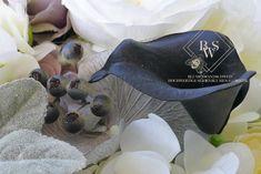 Blumenwand Black & White Elegance mieten I Flowerwall Black & White White Elegance, Black And White, Elegant, Romantic Backgrounds, Types Of Roses, Rabbit Ears, Engagement Celebration, Peonies, Classy