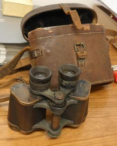 Binoculars of Harold Lowe, Titanic 5° uff. He survive the disaster, he was the only officer that went back for survivors
