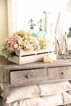 hortensias dans une cagette en bois