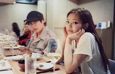 Taehyung x Jennie Swag Couples, Kpop Couples, Cute Couples Goals, Couple Goals, When Youre In Love, Bts Girl, Jungkook Fanart, Jennie Kim Blackpink, Blackpink And Bts