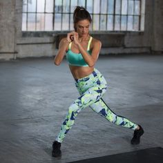 Check out the exercises that the supermodels use to get in shape for the annual fashion show in this exclusive, total-body workout video with Alessandra Ambrosio and the official Victoria's Secret trainer, Justin Gelband. Victorias Secret Models, Victoria Secret Fashion Show, Alessandra Ambrosio, Fitness Tips, Fitness Motivation, Fitness Models, Celebrity Workout, Shape Magazine, Yoga