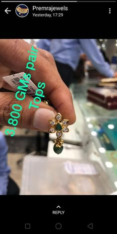 Gold jewelry Videos Wedding - Trendy Gold jewelry Indian - - - Gold jewelry Design For Wedding - Gold Jhumka Earrings, Jewelry Design Earrings, Gold Earrings Designs, Gold Jewellery Design, Diamond Jhumkas, Ring Designs, Diamond Earrings, Gold Jewelry Simple, Gold Rings Jewelry