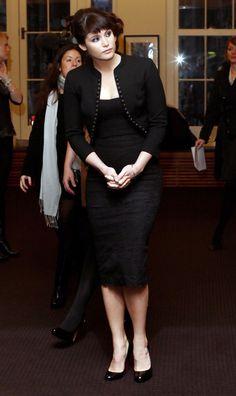 Urbanely inebriate Gemma Arterton ...Phenomenal spectacle of female beauty...