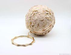 """Купить Сумочка шар """"Золотой"""" - бежевый, клатч, вечерняя сумочка, театральная сумочка, вышитая сумочка"""