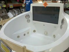 Now thats a hot tub!
