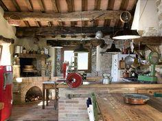 Cottage decor: Kitchen | via Ville and Casali