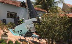 O pai de uma das vítimas da queda de um avião de pequeno porte em São José do Rio Preto (SP), nesta segunda-feira (9), gravou o momento ...