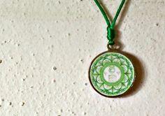 Ciondolo Zodiacale TORO Mandala tecnica quilling, verde, mandala portafortuna, per meditare all'aperto, talismano bohemiano by animArteLAB #italiasmartteam #etsy