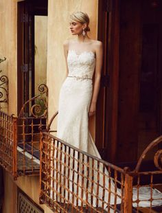 Trouwjurk Beautiful by Enzoani - Honeymoon shop Pictures Of Romance, Affordable Wedding Dresses, A Line Gown, Chantilly Lace, Vintage Style Dresses, Bridal Collection, One Shoulder Wedding Dress, Bodice, Vintage Fashion