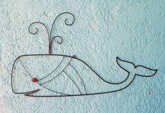 Baleia de arame para pendurar
