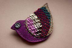 Ola Surmak Ooliku #brooch #bird #handmade #embroidery #felt #beads #polandhandmade