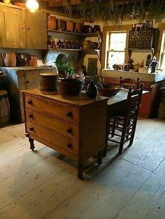 12 best ideas primitive country kitchen decor simple minimalist to apply as another theme option in doing a kitchen design. Colonial Kitchen, Old Kitchen, Kitchen Redo, Rustic Kitchen, Kitchen Remodel, Kitchen Dining, Kitchen Island, Dresser In Kitchen, Kitchen Ideas