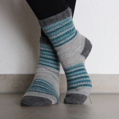 Visit the post for more info. Visit the post for more info. Fair Isle Knitting, Knitting Socks, Baby Knitting, Knit Socks, Baby Boy Booties, Sock Toys, Wool Yarn, Mittens, Knitwear