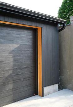 Incroyable Black Garage. The Marion House Book. #shousugiban #garagedoors