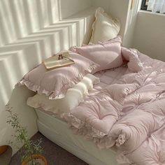 Room Design Bedroom, Room Ideas Bedroom, Bedroom Inspo, Bedroom Decor, 60s Bedroom, Bedroom Vintage, Dream Rooms, Dream Bedroom, Pastel Room