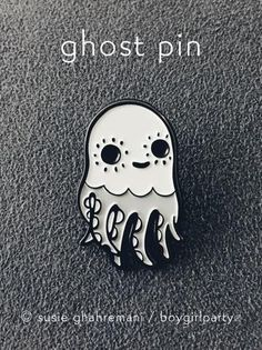 d29f0b38bbb47 75 Best Pins / keyrings images in 2019 | Pin, patches, Badges, Jewelry