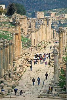 Ruinas romanas. Jerash, Jordan Find cheap flights at best prices : http://jet-tickets.com/?marker=126022