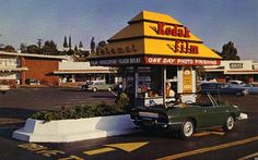 At its peak in 1980 there were over 4,000 Fotomats throughout the U.S. They offered a one day photo development. Another convenience was that they were typically located in the parking lots of supermarkets and strip malls, allowing for an easy drop-off ...
