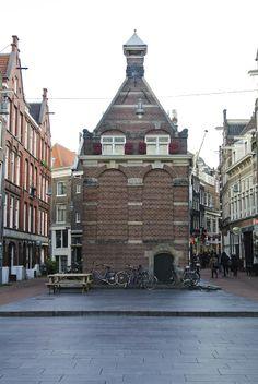 Het Korenmetershuisje uit 1620. Tegenwoordig zetel van de Bond Heemschut. Vereniging tot bescherming cultuurmonumenten in Nederland.