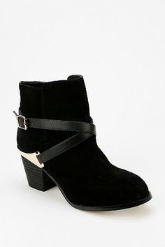 Ecote Buckled Wrap Ankle Boot - do want.