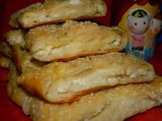 branza – In bucataria Cameliei Romanian Food, Sweets Recipes, Biscuits, French Toast, Favorite Recipes, Bread, Cheese, Chicken, Baking