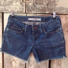"Joe's Frayed Denim Shorts sz 25 Inseam 4"". Length measured at sides 11"". Waist 26"". Solid - no stains or damage. Joe's Jeans Shorts Jean Shorts"
