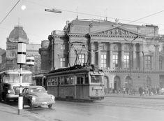 1965, Blaha Lujza tér, a Nemzeti Színház, 8. kerület Merida, Budapest, Old Pictures, Historical Photos, Time Travel, Hungary, Vintage Photos, Arch, Louvre