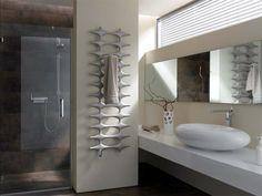 Kermi - Termoarredo Ideos-V Bathroom Design Inspiration, Bad Inspiration, Bathroom Interior Design, Futuristisches Design, Deco Design, House Design, Decorative Radiators, Bathroom Radiators, Engineered Wood Floors