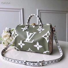 How cool is this LV bag? Luxury Handbags, Louis Vuitton Handbags, Fashion Handbags, Purses And Handbags, Fashion Bags, Cheap Handbags, Cheap Bags, Cheap Purses, Large Handbags