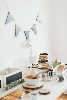 Birthday Surprise For Husband, Simple First Birthday, Happy Birthday Sister, Singing Happy Birthday, Happy Birthday Images, Man Birthday, Birthday Quotes, First Birthday Party Decorations, First Birthday Cakes