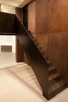 1508 architects / conversion of a victorian-era post office into a minimalist flat, london – staircase Architecture Details, Interior Architecture, Interior And Exterior, Interior Design, Copper Decor, Copper Wall, Interior Staircase, Staircase Design, Staircase Remodel