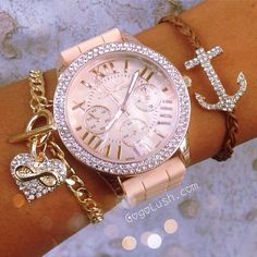 <3 minus the pink. Make the watch gold/silver and I love!