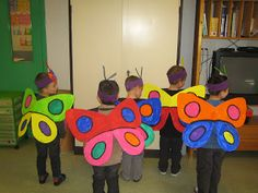 Les petites nouvelles de la classe maternelle ...: Le carnaval de Oiry Owl Crafts, Preschool Activities, Diy And Crafts, Crafts For Kids, World Book Day Outfits, World Book Day Costumes, Brazil Carnival Costume, Carnival Costumes, Costume Papillon