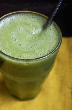 Detoxifying, Clean, Green Smoothie