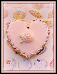 heart cookie // Close Up Pink Heart Gingerbread por Gigi Minor (Gigi & Big Red) en Flickr.com