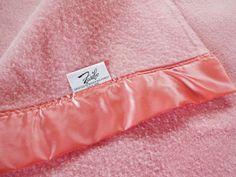 Satin-edged blanket. Vintage Faribo Peach Wool Blanket Faribault satin edges #faribo Full 90 x 83