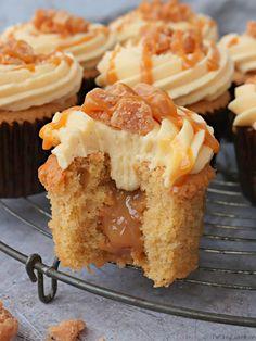 Cupcake Recipes, Baking Recipes, Cupcake Cakes, Dessert Recipes, Salted Caramel Cupcakes, Salted Caramel Chocolate, Caramel Buttercream, Caramel Cake Filling, Buttercream Cupcakes