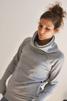 This piece is a soft and comfortable sweater made with sweatshirt fabric hundred percent hight quality cotton. It have a asymmetrical cowl neck