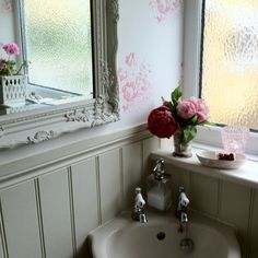 Cabbages n roses teamed with tongue & groove painted in Off White, Farrow & Ball.