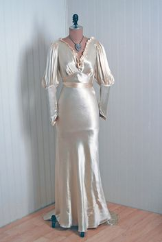 1930's Antique Vintage Candlelight-Creme Deco Satin-Couture Low-Cut Plunge Bias-Cut Hourglass Poet-Sleeves Belted Goddess Wedding Gown Dress Love the shape of this dress!