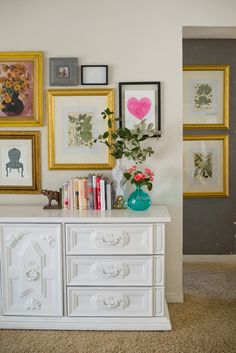 5 Ways to Style a Gallery Wall - For Chic Sake I like the different way to hang decorative plates