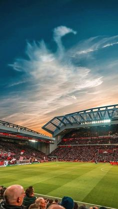 Great Tips To Help You Become A Better Soccer Player. This article is for anyone who wants to learn about soccer. Since you want to improve your soccer skills, you will learn some new tips contained in this ar Lfc Wallpaper, Benfica Wallpaper, Stadium Wallpaper, Football Wallpaper, Liverpool Stadium, Liverpool Anfield, Liverpool Champions, Liverpool Football Club, Liverpool Bird