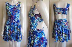 vestido-azul-rodado-regata-estampado-recorte-costas