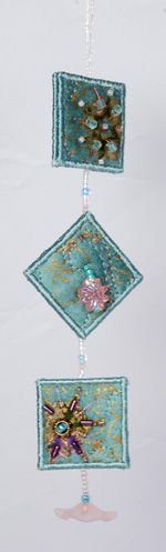 Inchie Ornaments–Part Three: Hanging with Beads... http://inchiequilts.com/tutorials/inchie-ornaments/part-three/
